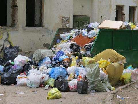 Ул. Ленина, 114 - расселенный ветхий аварийный дом в центре Бердска. Фото сделано 1 сентября 2014 года