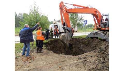 Коммунальная авария на ул. Спортивная в Бердске