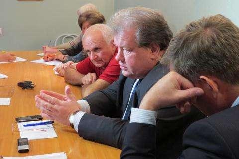 Директор МУП КБУ Александр Кожин убедит членов ОП, что тепловой комплекс Бердска нужно передать в концессию