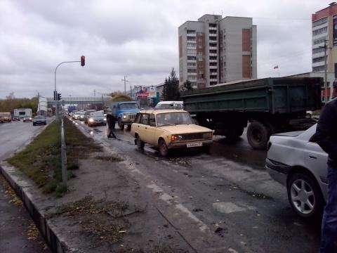 """ДТП на перекрестке, именуемым бердскими водителями """"Перекресток Круглыхина"""""""