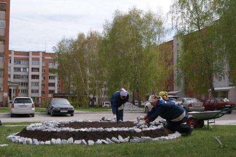 УК «Жилстройсервис» – забота о двориках в Бердске