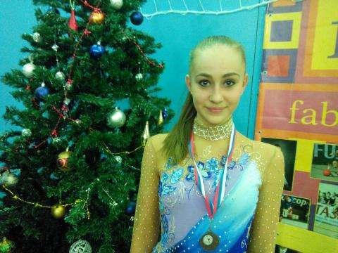 Мисс-Снегурочка-2014 стала гимнастка Алена Козлова. Фото Ларисы Загородневой