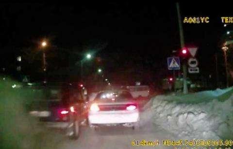 Водитель внедорожника нарушил ПДД в Бердске