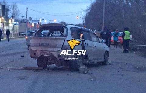 В ДТП погибла женщина. Два водителя и трое пассажиров госпитализированы