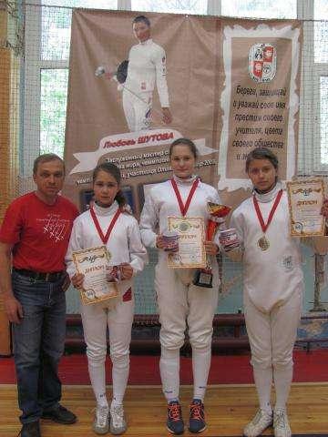 Фехтовальщицы из Бердска завоевали медали в региональном турнире