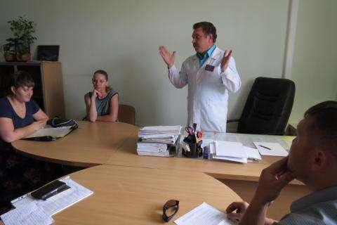 Главврач ЦГБ Бердска Юрий Краморов по требованию гражданских активистов ответил на проблемные вопросы