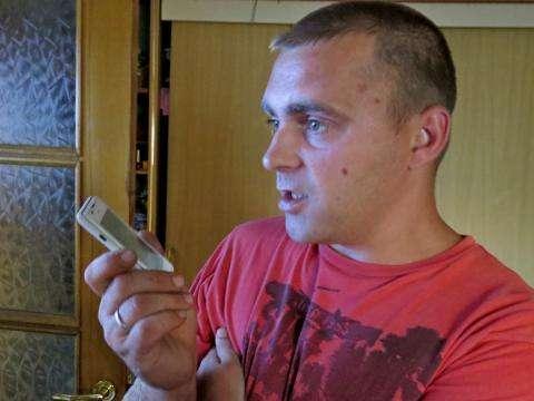 31-летний Анатолий Калашников - отец пятерых детей. К его 10-летней дочке приставал в переписке 25-летний мигрант