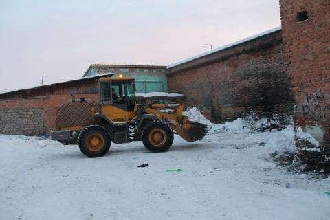 Загаженную площадку у лицея №7 вычистили 30 декабря
