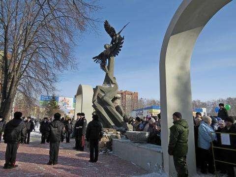 Мемориал воинскому братству защитников Отечества в Бердске