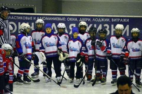 Команда бердского Кристалла на льду