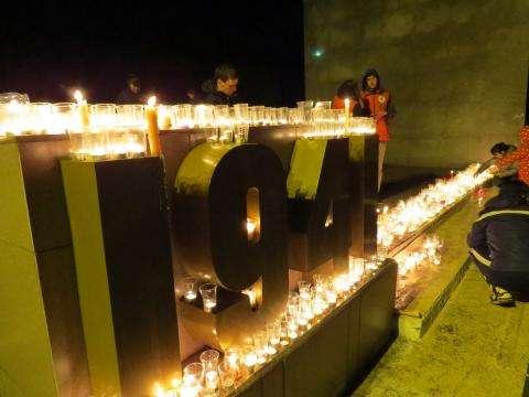 Свеча памяти зажигается как символ о душах погибших людей