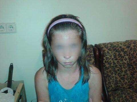 Девочка 10 лет. Зовут Маша. Вся искусана комарами. Говорит, что её бросили родители ночью в лесу. Сама из Искитима. Фамилию не знает. Адрес не знает