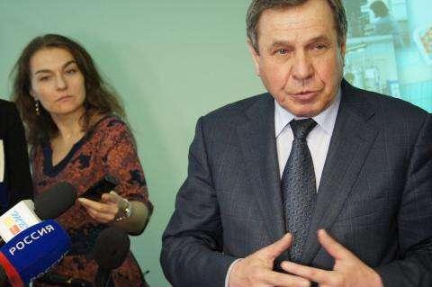 Губернатор Новосибирской области Владимир Городецкий в ходе общения с прессой