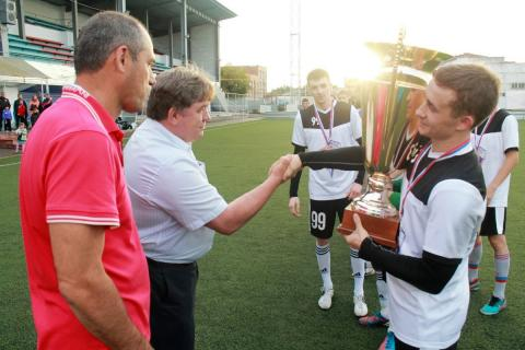 Кубок главы Бердска по футболу получила команда РиК