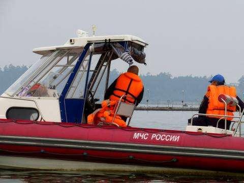 ВКрасноярском крае cотрудники экстренных служб трое суток ищут утонувшего рыбака
