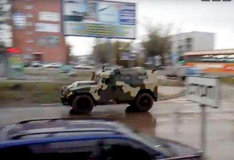 Военная техника проследовала через Бердск колонной
