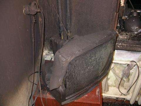 Шесть человек спасли изгорящей квартиры вНовосибирской области