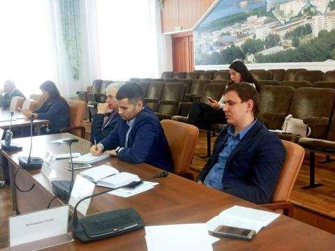 На учебу пришли новые депутаты бердского горсовета и их опытные коллеги