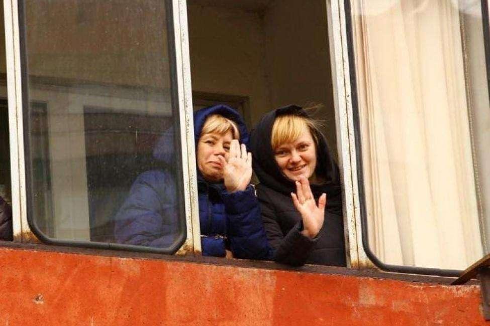 Песни военных лет слушали на балконах жители Новосибирска